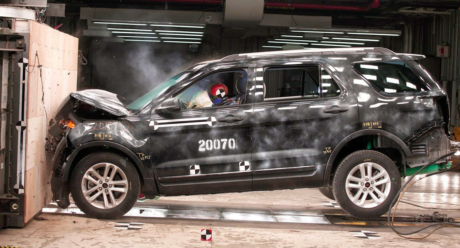 Accident, Auto Industry, Business, Cars, Crash Test, Dearborn, Dearborn Development Center, Dummies, Ford, Ford cars, Ford Explorer XLT, Ford vehicles, News, Technology,