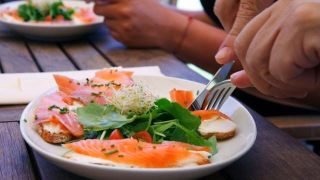 http://2.bp.blogspot.com/-Xwp9G1nFVZc/UJfcj4X-UaI/AAAAAAAACx4/3zdqsuDeicY/s1600/Salmon_plate.jpg