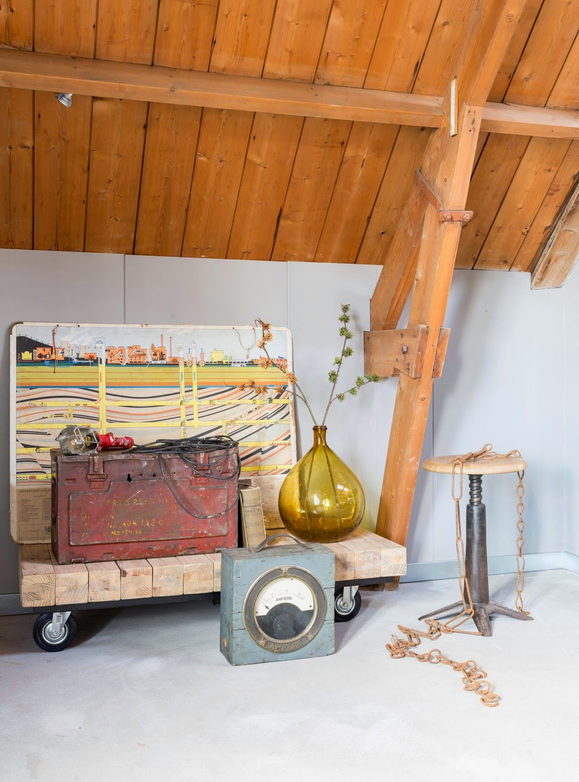 #84481B23648044  And Furniture Vintage Touches And A Fresh And Relaxing Atmosphere Meest effectief Vintage Design Meubelen Groningen 485 behang 11861600485 afbeeldingen