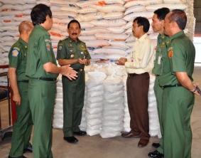 Operasi pasar beras bulog murah