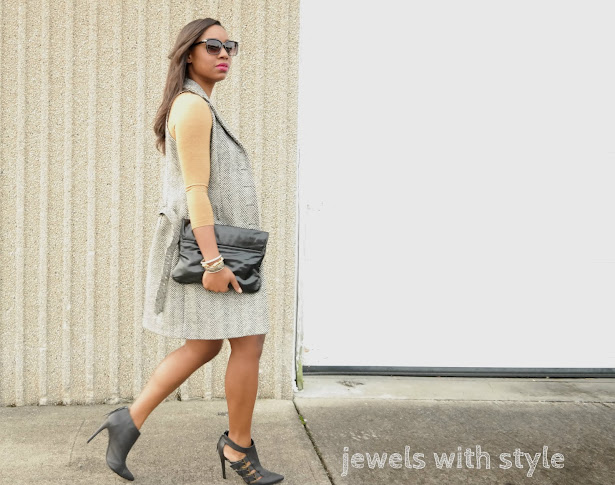sleeveless coat,  sleeveless coat outfit, how to wear a sleeveless coat, tweed vest, winter long vest, sleeveless vest, how to wear booties, jewels with style, black fashion blogger, columbus style blogger, nude dress, black booties, how to wear booties