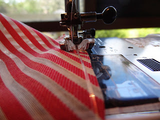 Julia Bobbin, rolled hem with fishing line
