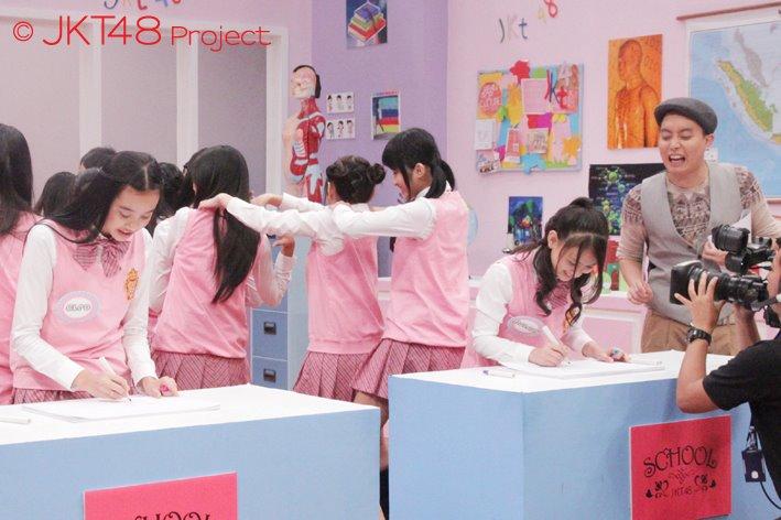 Cleo JKT48 VS Melody JKT48 at JKT48 School episode 8