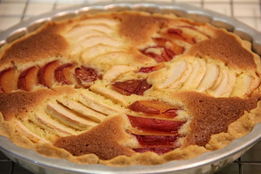 ... Nyonya's Kitchen...for all seasons: Apple Plum Almond Cream Tart