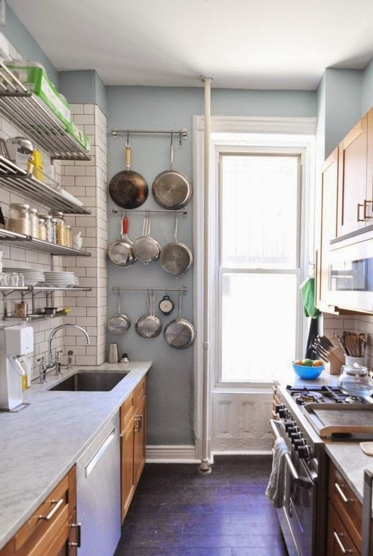 apartment therapy - Small Apartment Kitchen Design 2