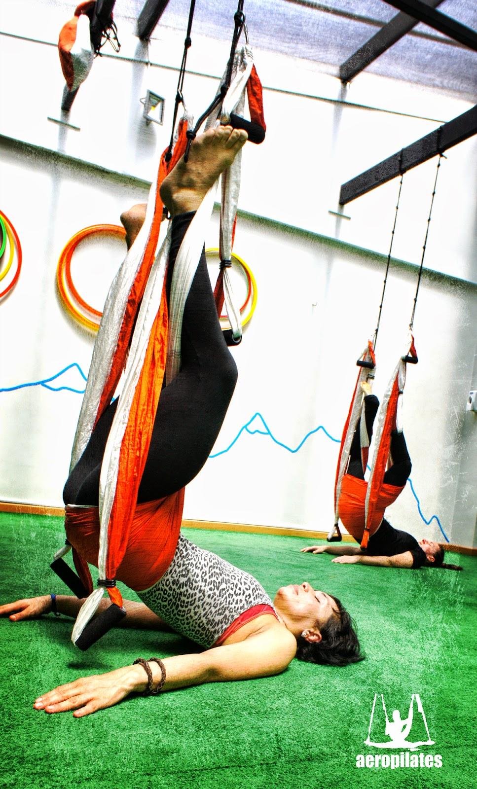 Columpio Yoga, AeroYoga®, Aero Yoga en el Aire, yoga aereo Colombia, con Rafael Martinez