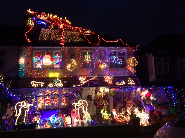 http://www.channel4.com/programmes/my-crazy-christmas-lights /on-demand/62609-001 - Archbishop Jonathan Blake: MY CRAZY CHRISTMAS LIGHTS - CHANNEL 4