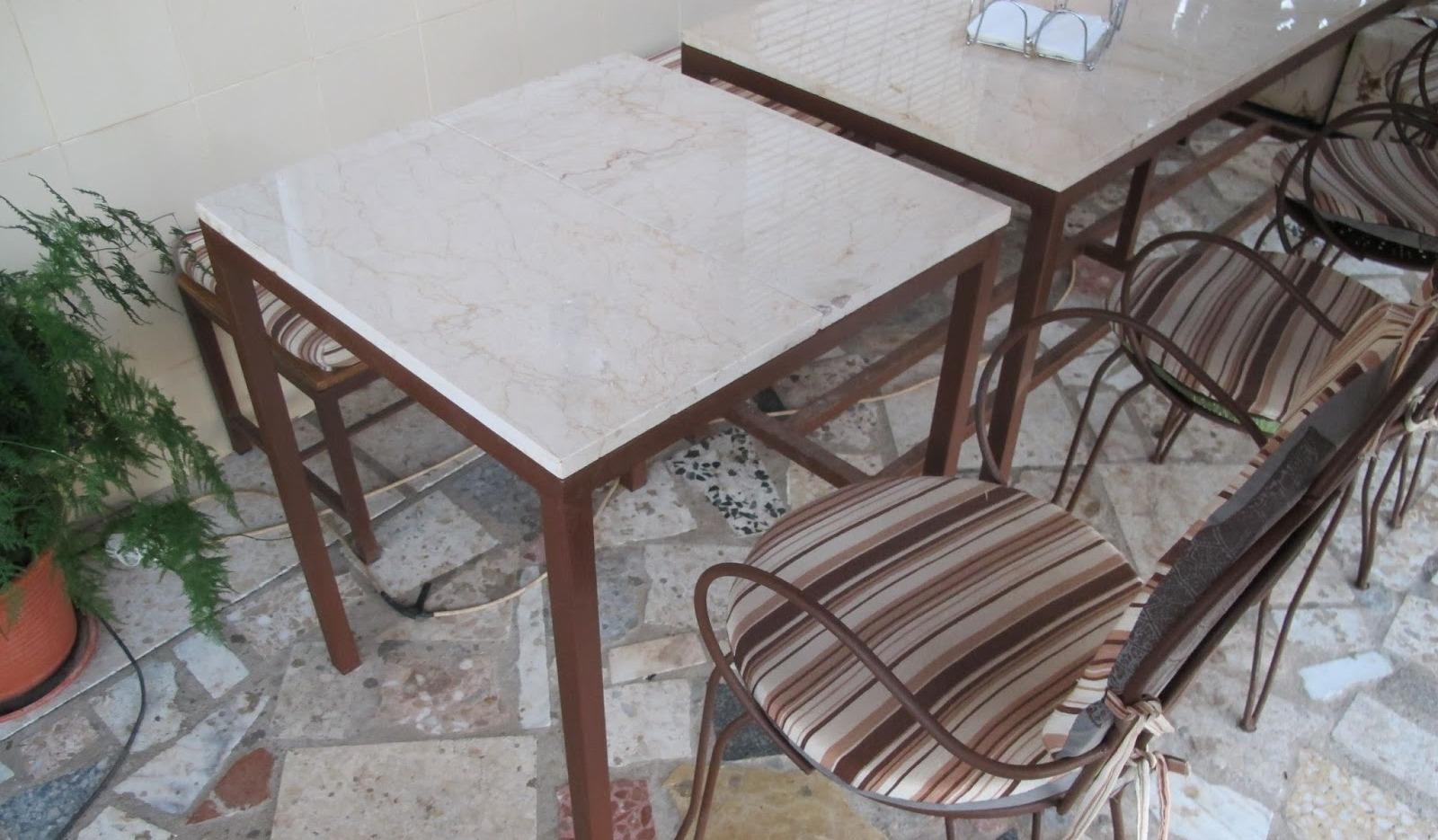 Bricomonxo mesa con piedras de m rmol y estructura de - Mesas de marmol y cristal ...