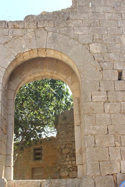 Ruinas del castillo de Ampurias