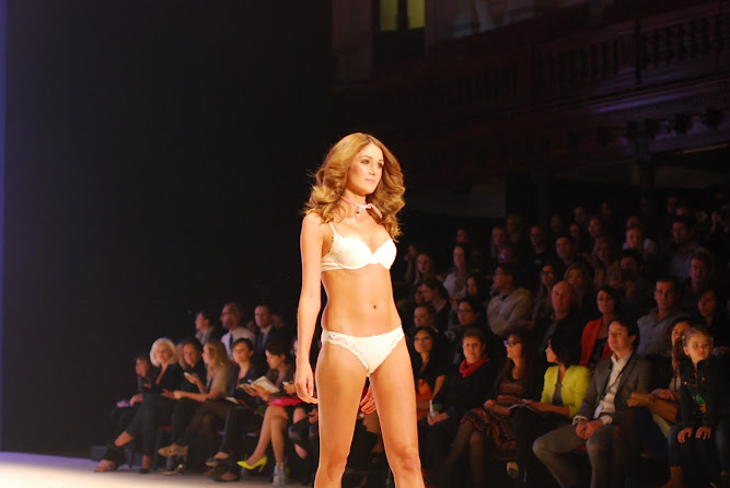 Elle Macpherson Lingerie Sydney 2012 Mercedes Benz Fashion Festival