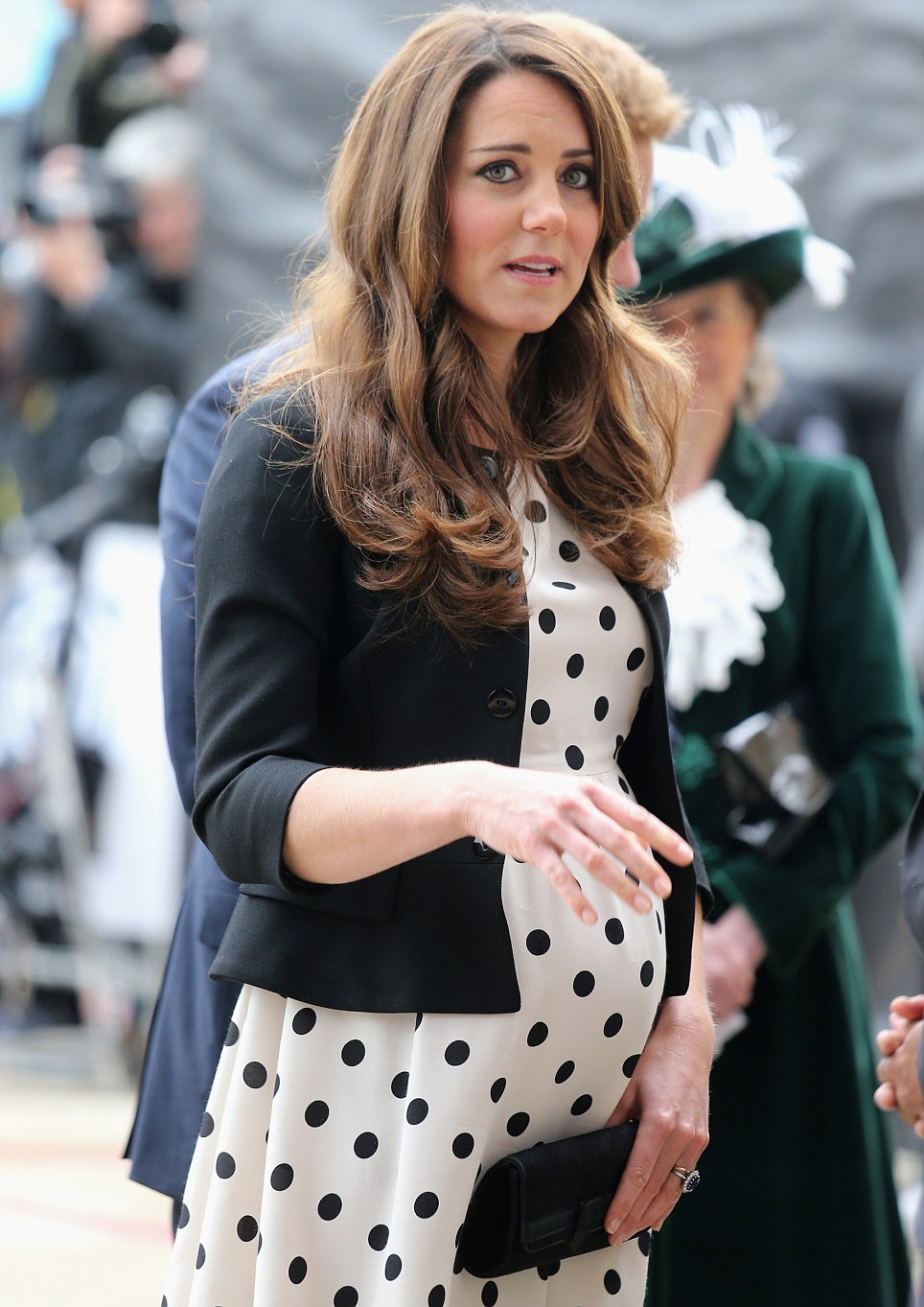 Top fashion designers sketch maternity dresses for kate middleton top fashion designers sketch maternity dresses for kate middleton ombrellifo Gallery