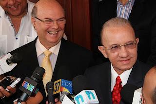 Hipólito visita al dirigente  reformista Amable Aristy Castro