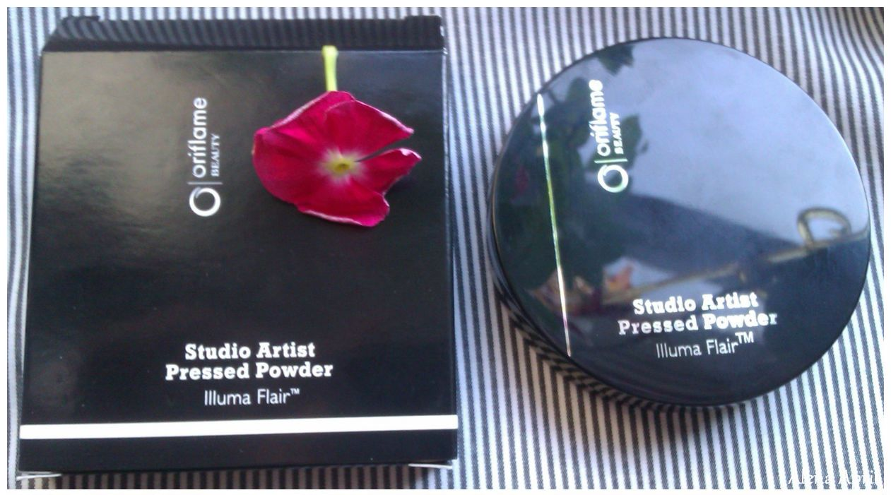 "Компактная пудра со светорассеивающим комплексом ""Студио-Арт"" Studio Artist Pressed Powder от Oriflame"