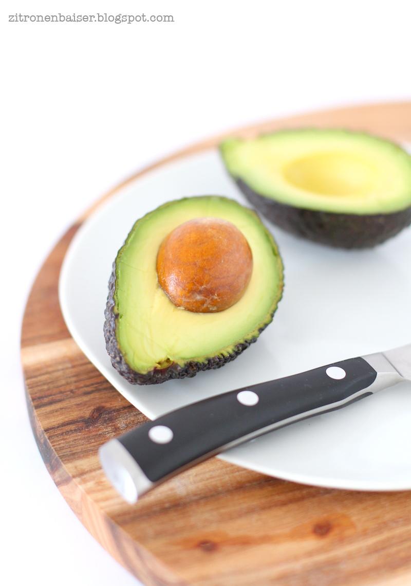 zitronenbaiser superfoodliebe avocado und das rezept f r einen luxuri sen avocado kakao. Black Bedroom Furniture Sets. Home Design Ideas