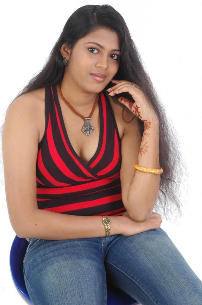 Desi Hot Photos, South Indian Celebrities: Actress Sangeetha Hot Pics ...