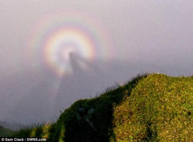 Pelangi bulat aneh ditangkap di Gunung Snowdon