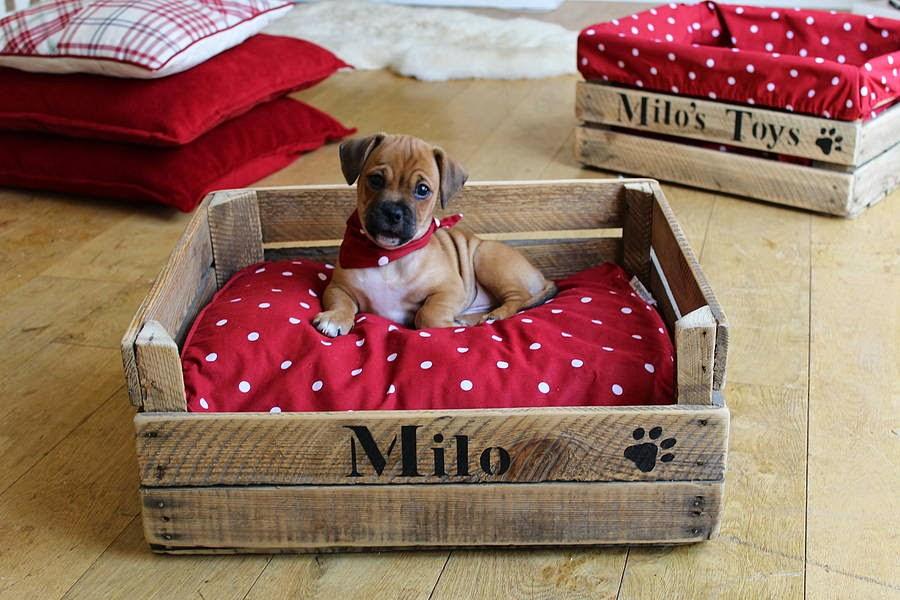 Decoraci n decoracion decorar camas para mascotas - Camas para perros de madera ...