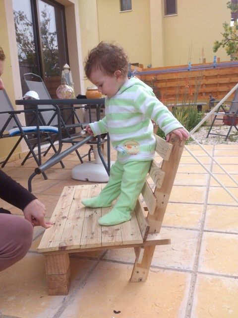 Dise o de silla peque a para ni os - Sillas hechas de palets ...