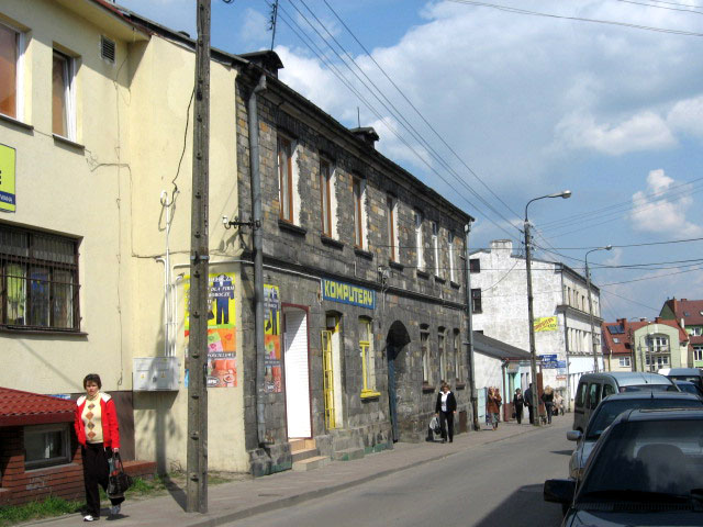 Końskie, budynek Łazienna 7 - front kamienicy od ulicy Łaziennej.