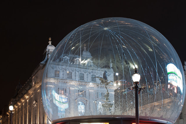 snow globe piccadilly