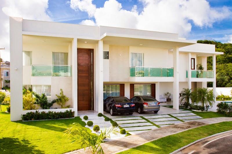 20 fachadas de casas modernas com linhas retas veja for Casa moderna 8