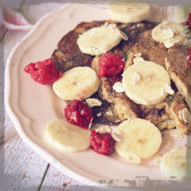 http://www.beautybutterflies.de/2015/02/gesunde-bananen-haferflocken-pancakes-healthy.html