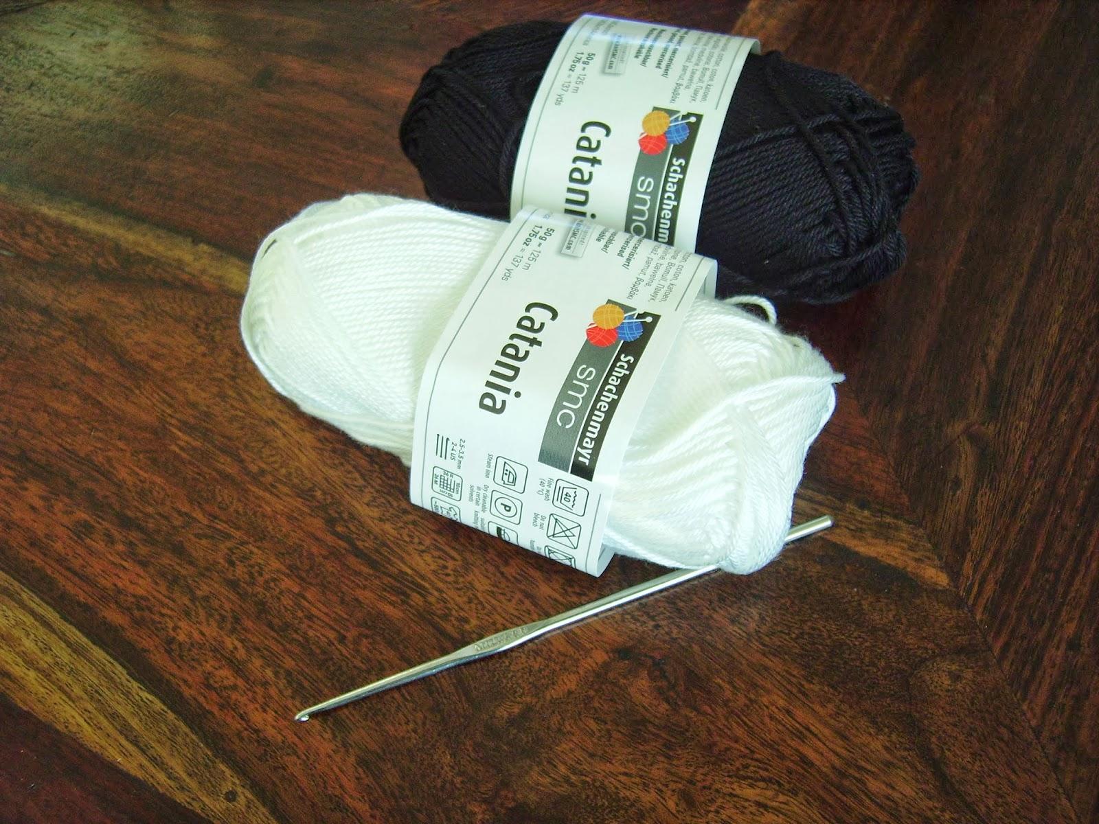 Kussen Wit 15 : Hobbyloes gehaakt kussen in wit zwart