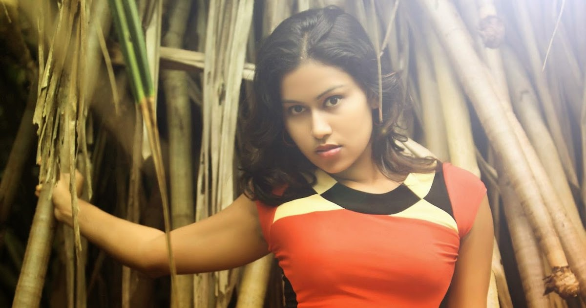 Actriz de Sri Lanka upeksha swarnamali