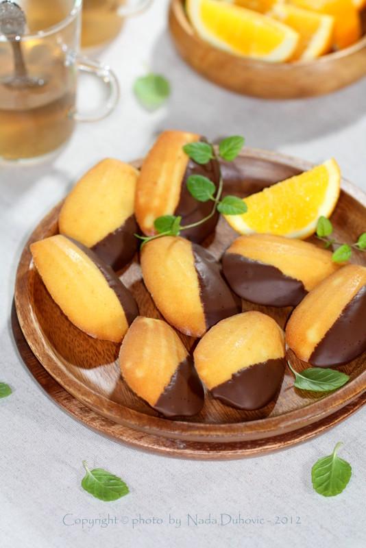 Madeleine s narančom i čokoladom