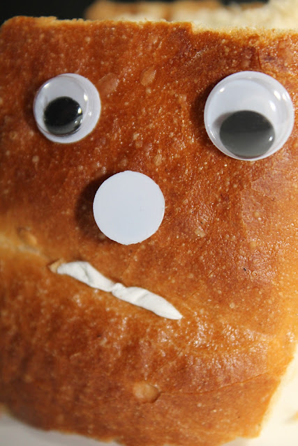https://pixabay.com/en/bread-face-grumpy-snub-nose-sour-749848/
