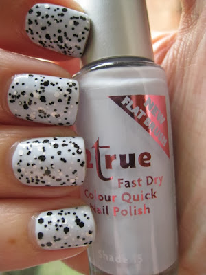 Loreal-Confetti-black-white-glitter-2True-blue