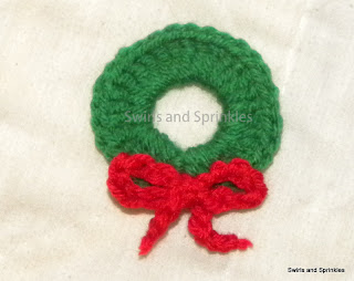 Swirls and Sprinkles: Christmas Wreath ornament or applique