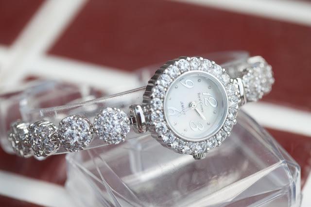 Đồng hồ nữ đính đá royal crown đẹp nhất 2015