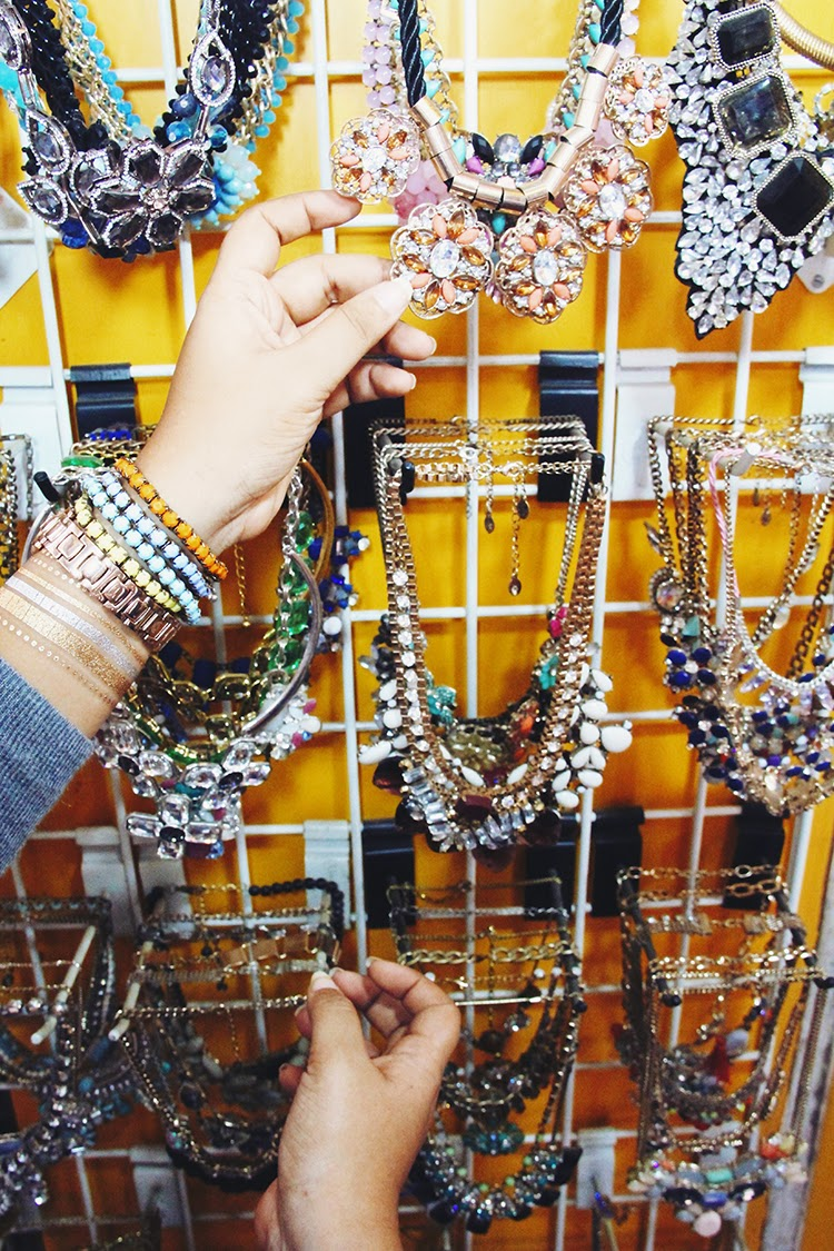 necklaces at bandra