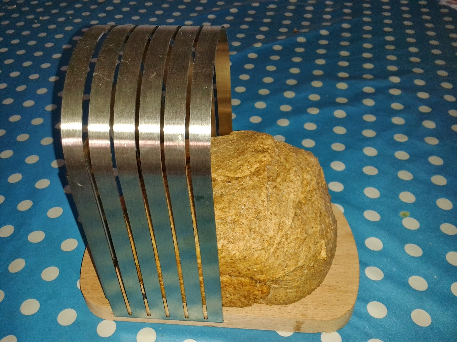 Perfectly sliced homemade bread! - Eco Thrifty Living