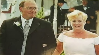 Woman sues airline for losing husbands ashes