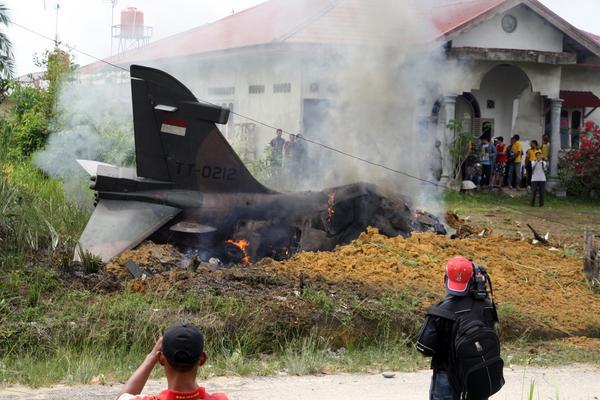 Foto-foto Pesawat TNI AU yang Jatuh di Riau
