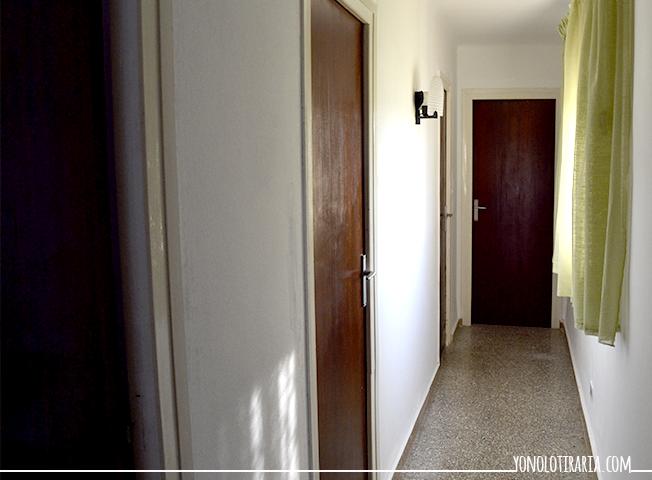 yonolotiraria el apartamento 4 el pasillo