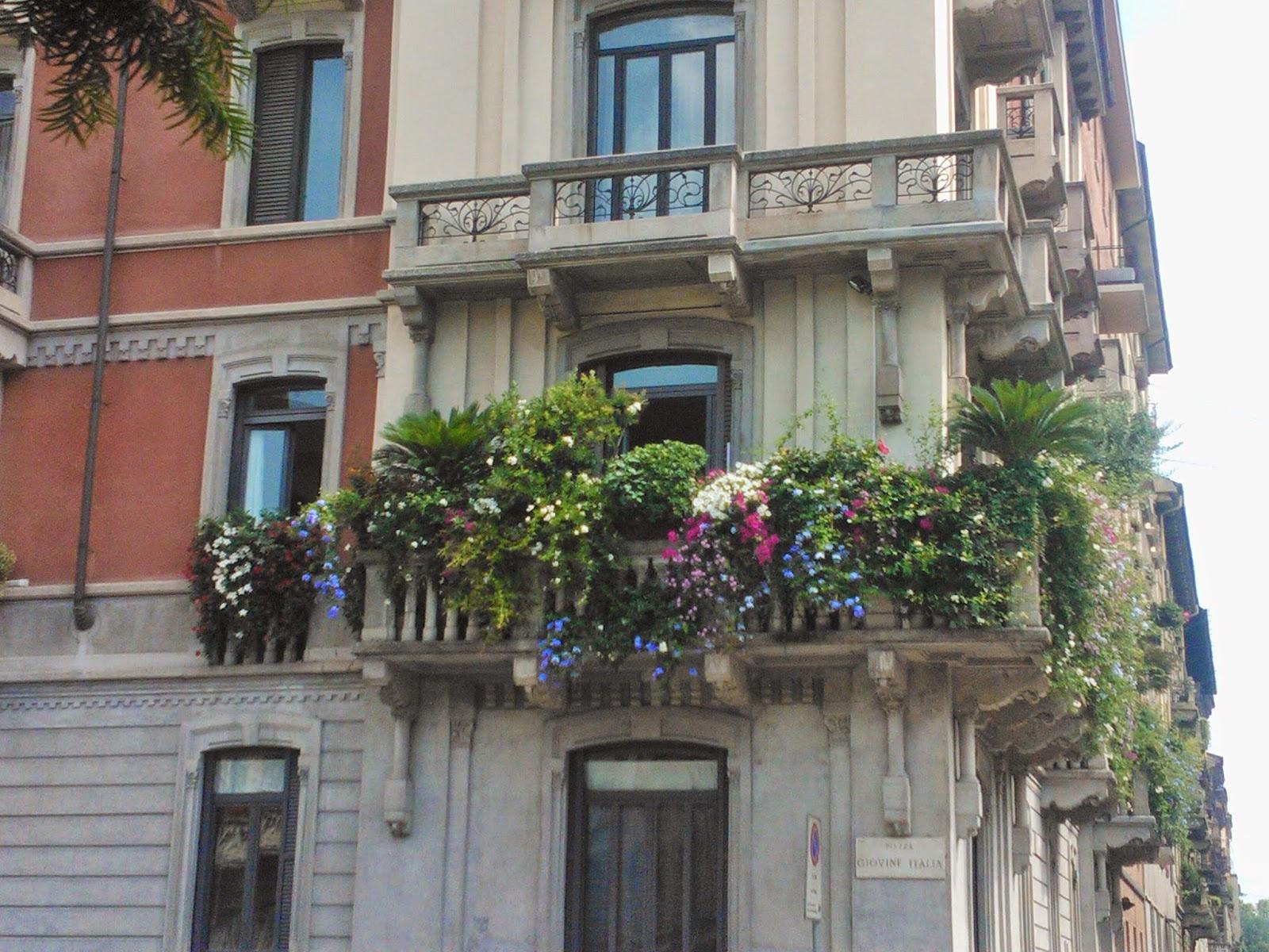 Tavolo a scomparsa per balcone - Ringhiere per terrazzi ...