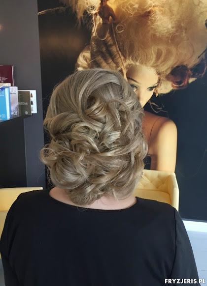 fryzura ślubna 28
