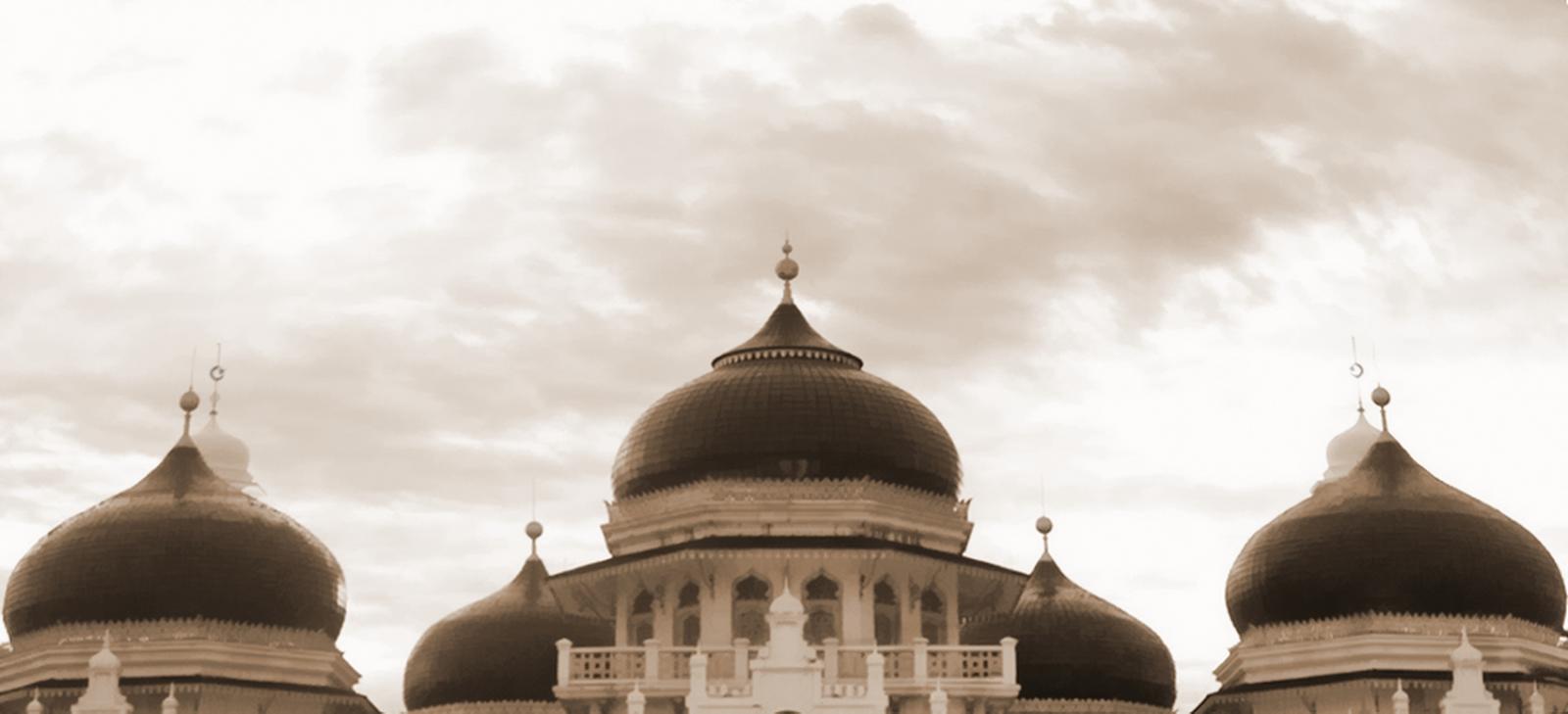 12 Bangunan Bersejarah di Indonesia