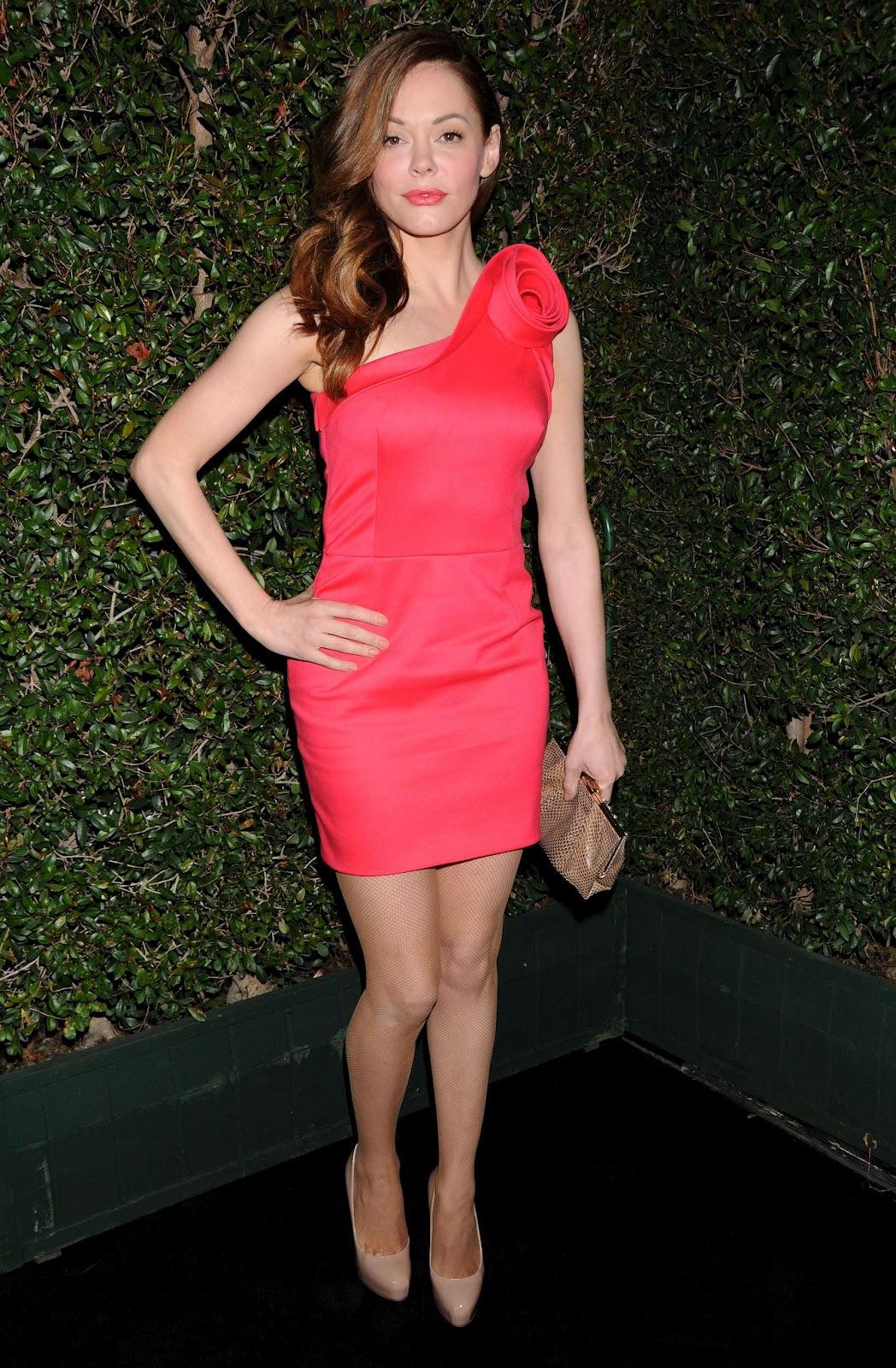 http://2.bp.blogspot.com/-Y1lLFZUMfaE/T3V6p4eLoZI/AAAAAAAARIY/-UT4jd0v5vQ/s1600/Rose+McGowan+at+Valentino+50th+Anniversary-07.jpg