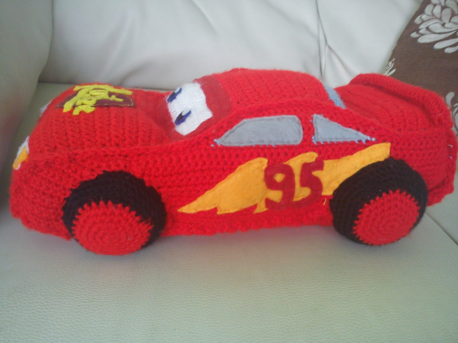 El Auo De Cars2  El  Rayo McQueen   Este Es Un Patr  N  Plicado