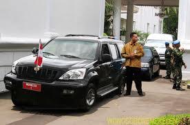 mobil esemka rajawali di jadikan mobil dinas R1