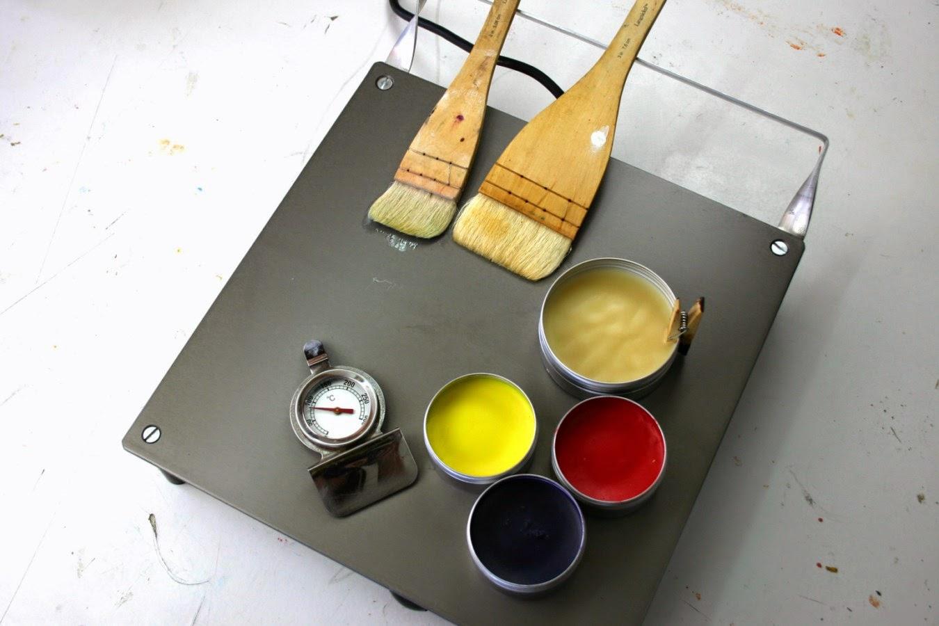 Encaustique couleurs et c une palette chauffante for Peindre aluminium anodise