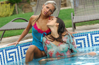 young girls - rs-09-704200.jpg