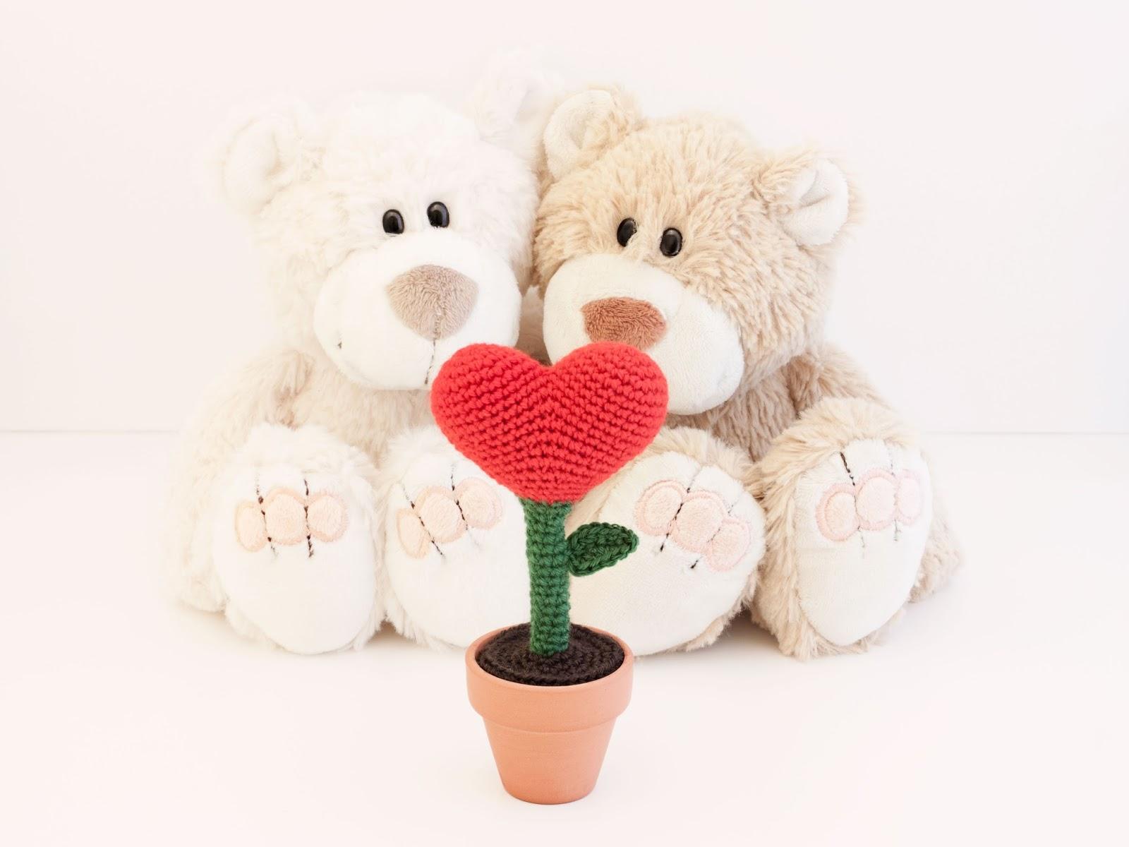 amigurumi-flor-corazon-flower-heart-pattern-patrón
