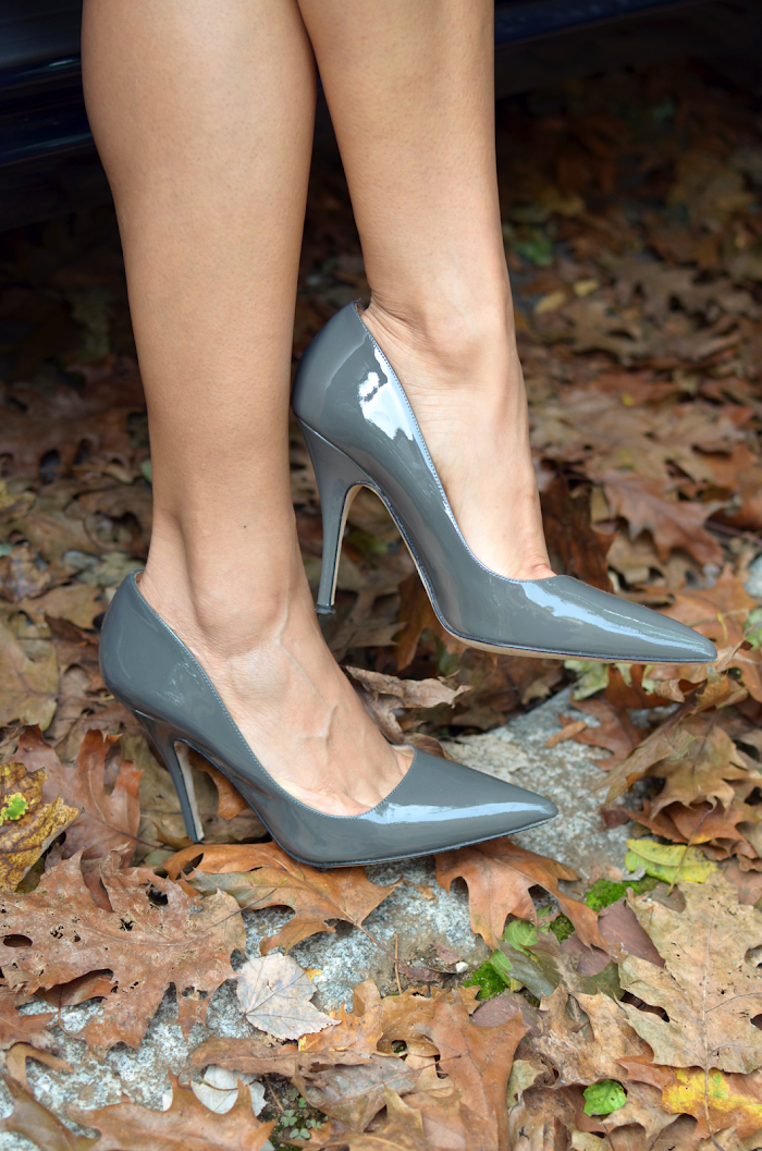 Grey pumps shoes