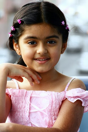 Gambar anak kecil cantik dari india download