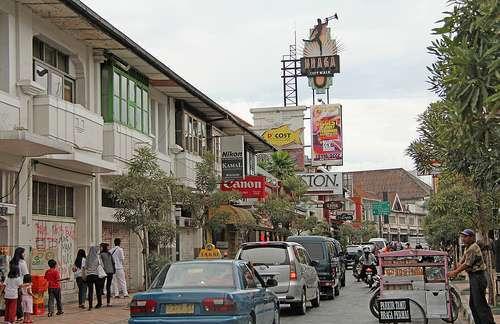 Jalan Braga Kota Bandung, salah satau Tempat Bersejarah di Kota Bandung